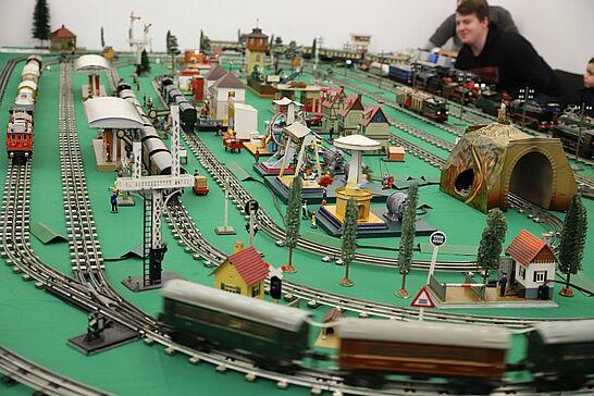 """15 Achtung Zugdurchfahrt! Spielzeugeisenbahnen im Pfinzgaumuseum - Bereits zum 14. Mal heißt es in diesem Jahr im Pfinzgaumuseum """"Achtung Zugdurchfahrt!"""". (29 Fotos)"""