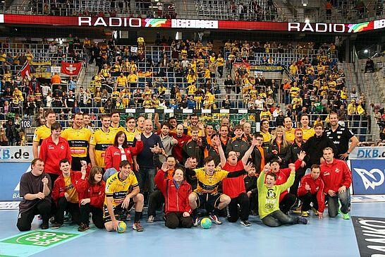 28 Durlach Turnados: Vorspiel bei den Rhein-Neckar Löwen - Eine besondere Handballpartie fand als Vorspiel der Bundesligabegegnung zwischen den Rhein-Neckar Löwen und dem VfL Gummersbach statt. (122 Fotos)