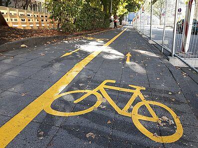 Der ehemalige Gehweg ist jetzt Radweg. Foto: cg