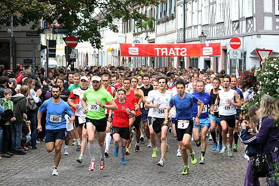 03 Turmberglauf - Der Turmberglauf ist ein flacher, schneller Stadtlauf mit einem kleinen Ausflug ins Grüne - 2010 zum 18. Mal. (26 Fotos)