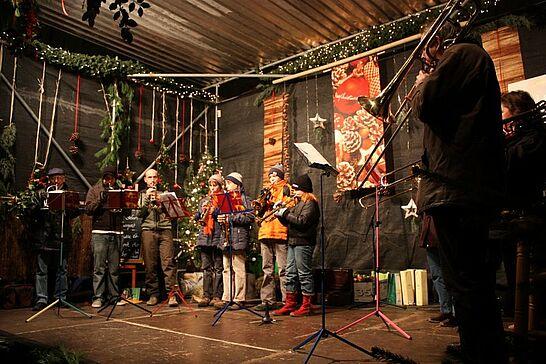 """28 Mittelalterlicher Weihnachtsmarkt - Der traditionelle """"Mittelalterliche Weihnachtsmarkt"""" präsentierte sich vom 28. November bis 22. Dezember 2008 vor der Karlsburg. (44 Fotos)"""