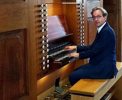 """Orgelmusik um 12"" mit Bezirkskantor Johannes Blomenkamp. Foto: pm"