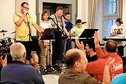 """Auch beim """"Durlacher Abend"""" der Turnerschaft sorgte """"Dickes Blech"""" bereits für tolle Stimmung in der Karlsburg (2015). Foto: cg"""