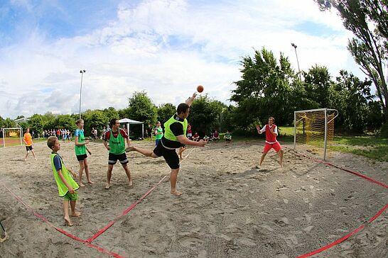 04 Beachhandball bei der Turnerschaft Durlach - Endlich ist es soweit! Neben den Volleyballern haben jetzt auch die Handballer bei der Turnerschaft ihren eigenen Strand. (20 Fotos)