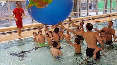 Riesen Weltkugel eingeweiht im Spaßbad Grötzingen. Foto: pm