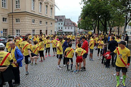 """13 """"durlach-gratuliert"""" – Geburtstagslauf von Schloss zu Schloss (I) - Rund 400 Läufer legten die 8 Kilometer zur Tochter zurück, um dieser zum Geburtstag zu gratulieren. (178 Fotos)"""