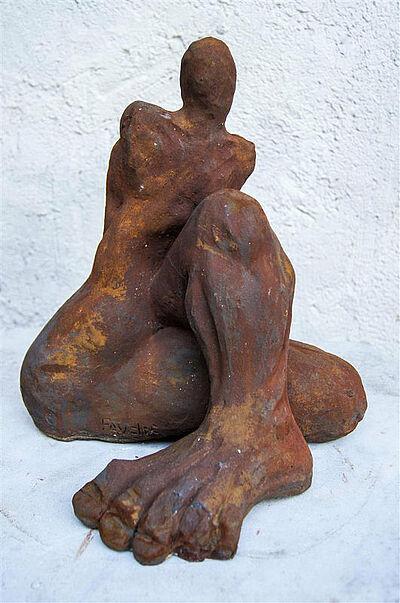 """Pavel Miguel, """"Die Flexibilität ist der Anfang jeder Philosophie"""", Terrakotta mit Glasur, 50x40x40 cm. Foto: zettzwo"""