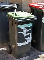 Plastik gehört nicht in die Biotonne. Foto: cg