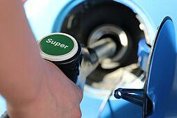 Preisvergleich beim Tanken lohnt sich. Foto: Bernd Schray / Pixabay