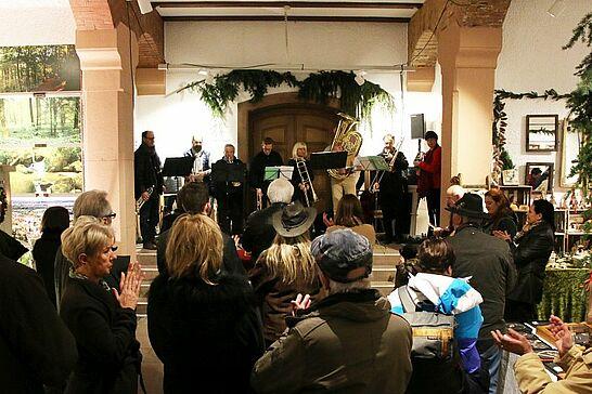 25 Weihnachtsmarkt im Rathaus (Eröffnung) - Traditionell eröffnen der Weihnachtsmarkt in Rathaus und der Mittelalterliche Weihnachtsmarkt am Freitagabend. (44 Fotos)