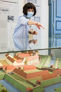 Die Karlsburg und ihre Geschichte stand im Pfinzgaumuseum im Mittelpunkt. Foto: cg