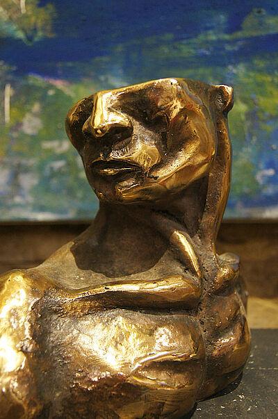 """Pavel Miguel, """"der Träumer"""", Bronze, 30 x 25 x 20 cm, 2018. Foto: zettzwo"""