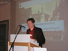 Dr. Jan-Dirk Rausch informierte die gespannten Zuhörer über die rechtlichen und geschichtlichen Hintergründe der Zwangseingemeindung.