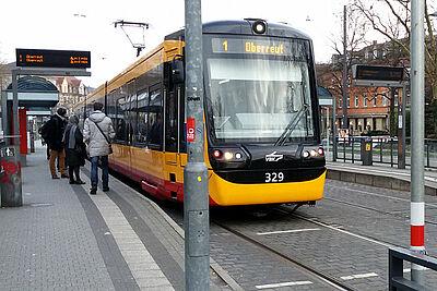 """Straßenbahnhaltestelle """"Auer Straße"""". Foto: cg"""