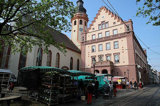 09 Wochenmarkt Durlach - Der Markt ist einer der wenigen in Karlsruhe, der täglich seine Kunden einlädt, frisches Gemüse und Obst zu kaufen. (19 Fotos)