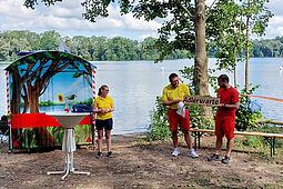 """Die neue Wachstation am Grötzinger Baggersee erhielt in Anlehung an das Wappentier der DLRG den Rufnamen """"Adlerwarte"""". Foto: pm"""