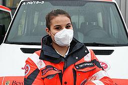 Helferin Sujati Tirtohusodo (20 Jahre, ehrenamtliche Rettungssanitäterin der Johanniter Unfallhilfe). Foto: Benjamin Becker