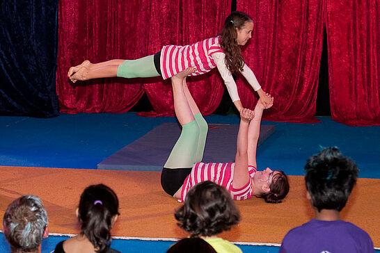 24 Sommerfest der Initiative DurLach - Am 20. Juni ging der große Vorhang im Zelt des Zirkus Maccaroni für rund 40 Kinder auf. (40 Fotos)