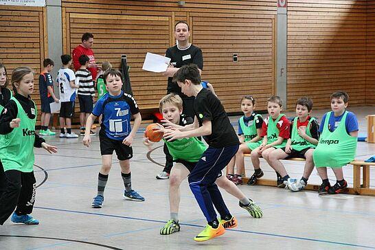 """23 """"VR-Tag des Talents"""" bei der TS Durlach - Beim """"VR-Tag des Talents"""" am 23. März 2014 durften Mädchen und Jungen der Jahrgänge 2005 und jünger beim Handball zeigen, was in ihnen steckt. . (57 Fotos)"""