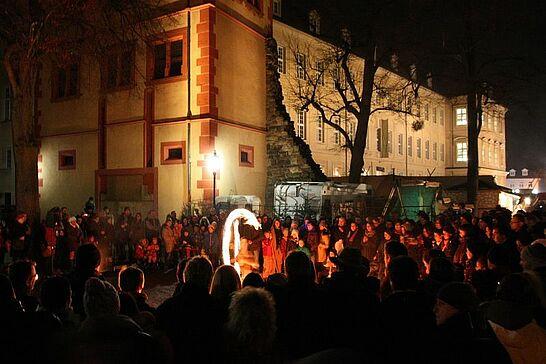 30 Abendstimmung auf dem Mittelalterlichen Weihnachtsmarkt - Der Mittelalterliche Weihnachtsmarkt verzaubert die Besucher mit seinem ungewöhnlichen Ambiente. (41 Fotos)