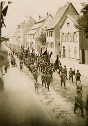 Historischer Vortrag: Zwischen Monarchie und Diktatur