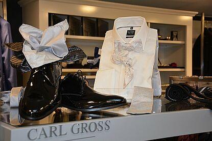 Business-Anzug und festlichen Garderobe