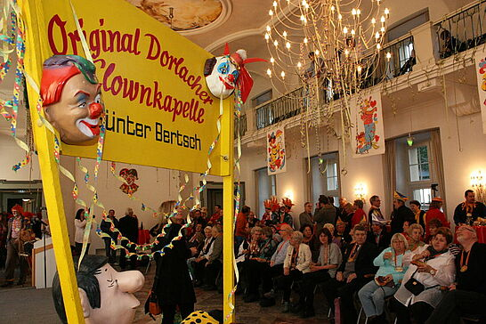 16 33 Jahre Original Dorlacher Clownkapelle - Die Original Dorlacher Clownkapelle feierte ihr großes Jubiläum in der Kampagne 2010/11 im Festsaal der Karlsburg. (44 Fotos)