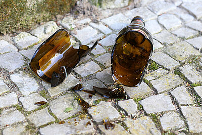 Zerbrochene Flasche. Foto: Oliver Graumnitz / Pixabay