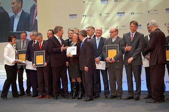 """07 Verleihung der """"Sterne des Sports"""" in Gold - Die Turnerschaft Durlach wurden in Berlin mit einem """"Stern des Sports"""" in Gold für ihr integratives Handball-Projekt ausgezeichnet. (18 Fotos)"""