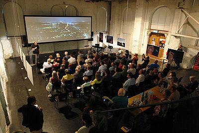 """Gernot Meiser präsentierte seine """"Stadtgedanken"""". Foto: sade"""