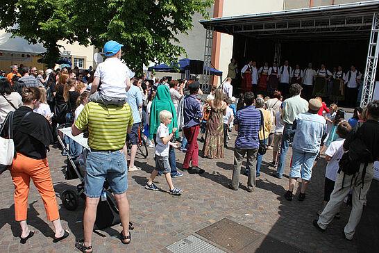 07 Europafest - Erstmals feierte die Europa-Union Deutschland gemeinsam mit dem Stadtamt Durlach das Europafest auf dem Durlacher Saumarkt. (30 Fotos)