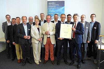digital@KA: Ein großes Netzwerk aus Stadtverwaltung, Wissenschaft und Wirtschaft möchte Karlsruhe zur Zukunftskommune machen. Fotos: cg