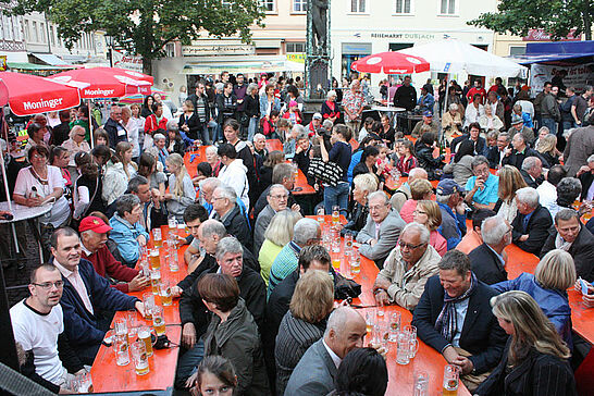 Juli - Im Juli jagte eine Großveranstaltung die andere: Altstadtfest, Klassik am Turm, Kultursommer - 2011 leider alles etwas feuchter. (5 Galerien)