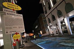 Seasons of Media Arts mit Projektionen im öffentlichen Raum wie hier am Platz der Grundrechte (2020). Foto: cg