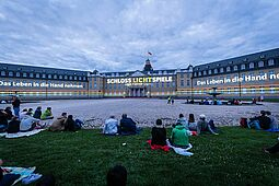 SCHLOSSLICHTSPIELE Light Festival (Karlsruher Schloss). Foto: cg