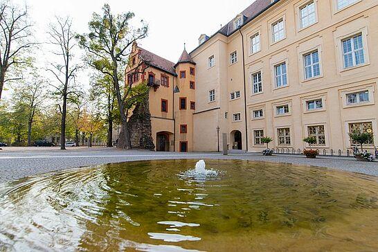 19 Impressionen im Herbst: Schlossgarten und Karlsburg - Für ein paar herbstliche Schnappschüsse besuchten wir den Schlossgarten und die Karlsburg. (23 Fotos)