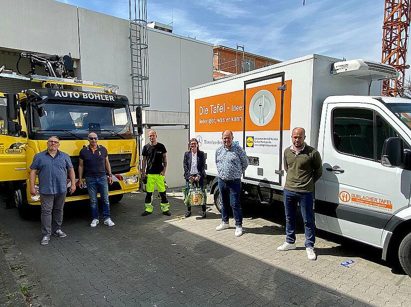 Der Transport der gespendeten Lebensmittel zur Tafel nach Durlach musste wurde spontan von Auto Böhler gelöst. Foto: pm