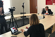 """India Board Karlsruhe meets Maharashtra"" – mittels Videokonferenz: Mit den Partnern in Pune tauschte sich Oberbürgermeister Dr. Frank  Mentrup jüngst aus. Foto: Knappe"