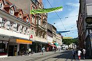 In der Pfinztalstraße wird Flagge gezeigt. Foto: cg