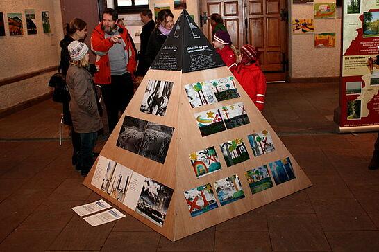 16 Karlsruher Landschaften - Ein Kunstprojekt Karlsruher Schulen im Nachgang zum Deutschen Naturschutztag 2008. (25 Fotos)