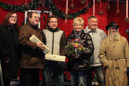 25 Eröffnung der Weihnachtsmärkte - Traditionell findet die offizielle Eröffnung der Weihnachtsmärkte im Rathaus und vor der Karlsburg am Freitag vor dem 1. Advent statt. (27 Fotos)