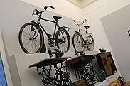 Pfinzgaumuseum: Fahrräder und Nähmaschinen von Gritzner. Foto: cg