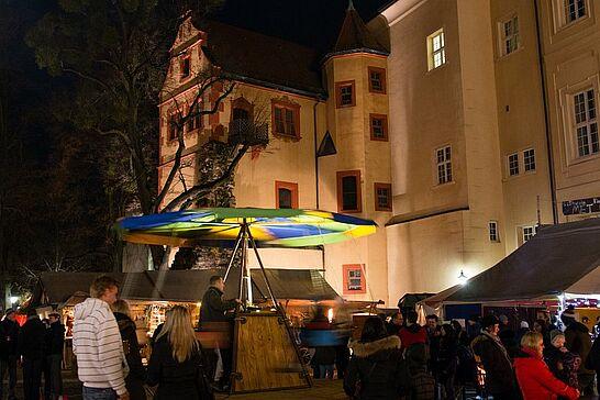 29 Mittelalterlicher Weihnachtsmarkt (Eröffnung & Feuershow) - Bereits am Dienstag wurde der Mittelalterliche Weihnachtsmarkt inoffiziell, am Mittwochabend dann offiziell eröffnet. (72 Fotos/1 Video)