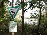 """Direkt vor der Haustür: Im Oberwald befindet sich das Naturschutzgebiet """"Erlachsee"""". Foto: cg"""