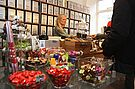 Den Kräuterladen bei den Verkaufslangen Abenden entdecken. Foto: cg