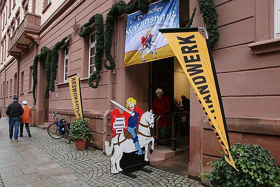 11 Durlacher Martinsmarkt - Der vorweihnachtliche Durlacher Martinsmarkt im Rathausgewölbe lädt bereits zum 26. Mal in die historische Markgrafenstadt ein. (51 Fotos)