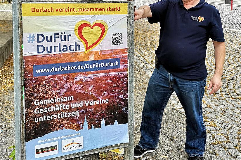 Seit Samstag hängen die neuen Plakate für die Aktion #DuFürDurlach. Foto: om