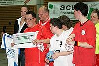 Trikotübergabe an die Durlach Turnados der Turnerschaft Durlach inklusive einer finanziellen Unterstützung für die Teilnahme an den Special Olympics 2010 in Bremen.