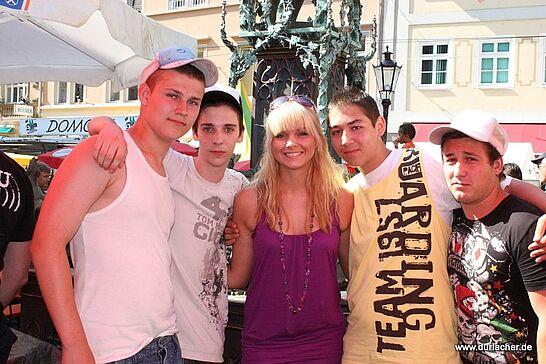 04 Altstadtfest: Vivi und die Fans - Eine nicht ganz ernst gemeinte Galerie zum Thema Altstadtfest 2009. (5 Fotos)