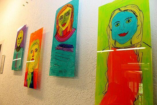 """26 Kunst im Rathaus: """"Einzigartig"""" - Im Rahmen von """"Kunst im Rathaus"""" präsentieren Kinder und Jugendliche im Alter zwischen 6 und 16 Jahren ihre Werke. (41 Fotos)"""